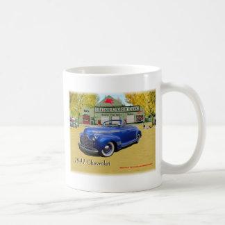Demostración clásica 1941 de Chevy de los coches d Taza De Café