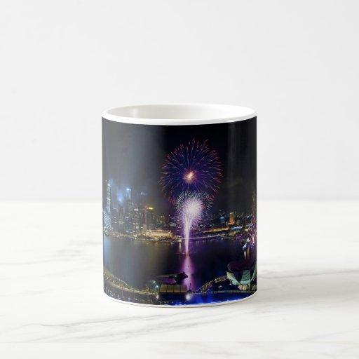 Demostración de los fuegos artificiales en horizon tazas de café