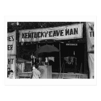 Demostración del carnaval del vintage del hombre postal