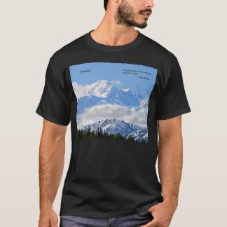 Denali: Mtns are calling / J Muir T-Shirt