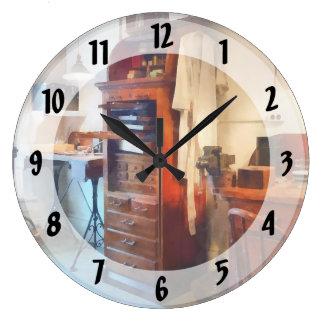 Dental Lab WithLab Coat Large Clock
