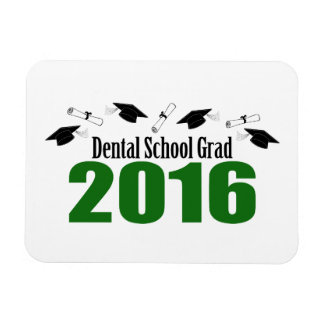 Dental School Grad 2016 Caps And Diplomas (Green) Magnet