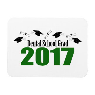 Dental School Grad 2017 Caps And Diplomas (Green) Magnet
