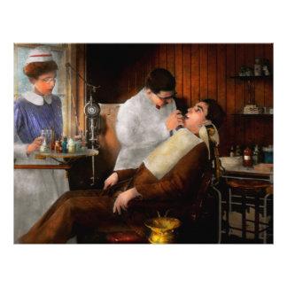 """Dentist - An incisive decision - 1917 8.5"""" X 11"""" Flyer"""