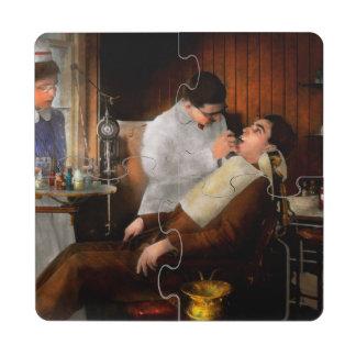 Dentist - An incisive decision - 1917 Puzzle Coaster