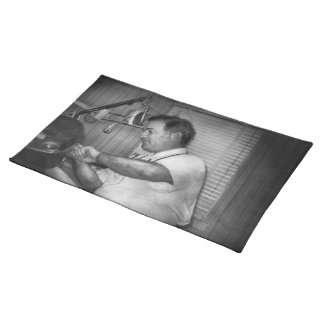 Dentist - Orthodontia made easy Cloth Placemat