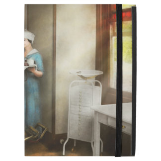 "Dentist - Patient's is a virtue 1920 iPad Pro 12.9"" Case"