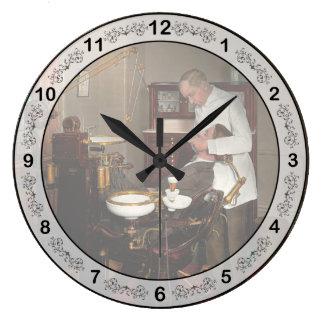 Dentist - Roy O Woodruff Dentist 1924 Large Clock