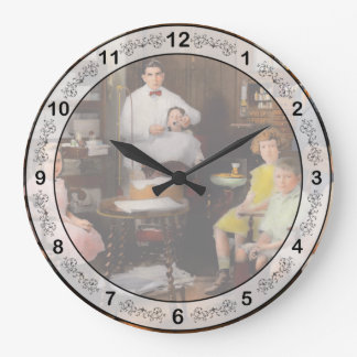Dentist - The family practice 1921 Large Clock