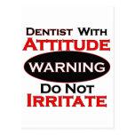 Dentista con actitud postales