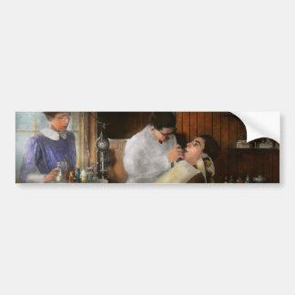 Dentista - una decisión incisiva - 1917 pegatina para auto