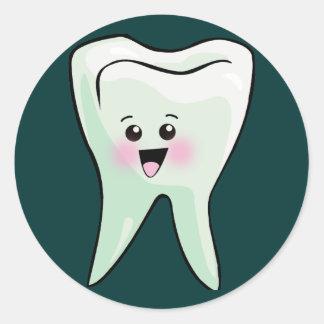 Dentistas e higienistas dentales etiqueta redonda