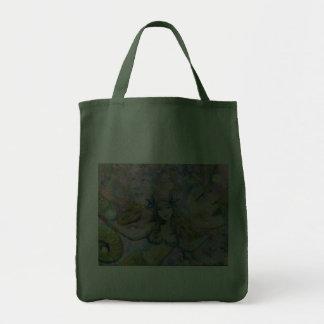 Dentro de bolso de ultramarinos bolsa