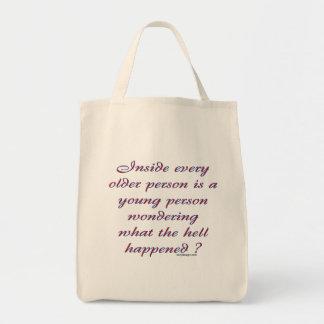 Dentro de cada más vieja persona bolsa tela para la compra