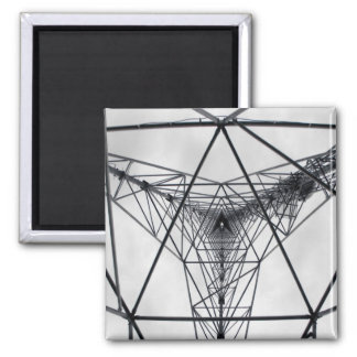 Dentro de la torre de comunicación imán cuadrado