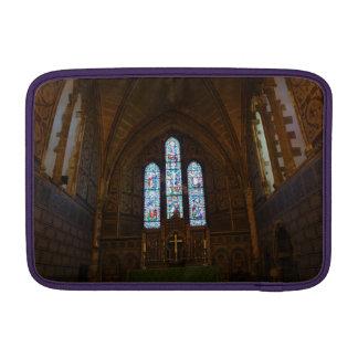 Dentro de una capilla hermosa en Inglaterra Funda Para Macbook Air