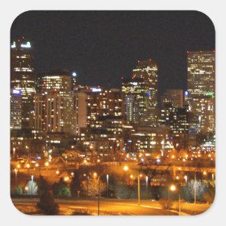 Denver en la noche calcomanía cuadradas