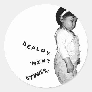 Deployment stinks classic round sticker