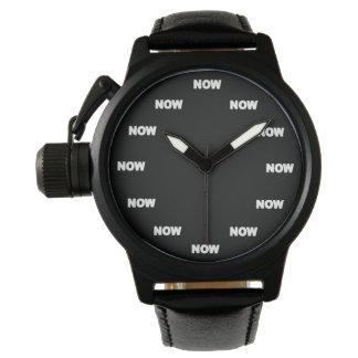 """Deporte fresco """"AHORA"""" (fondo negro) Relojes De Pulsera"""