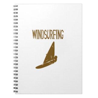 deporte marrón windsurfing copy.png del texto v1 cuaderno