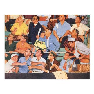 Deportes del vintage fans que miran un juego de b