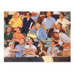 Deportes del vintage, fans que miran un juego de b tarjeta postal