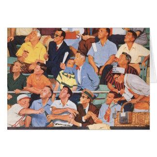 Deportes del vintage fans que miran un juego de tarjetas