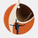 Deportes del vintage, futbolista que golpea la bol ornamentos de reyes magos