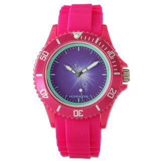 Deportivo con púrpura rosada del reloj de la