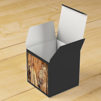 Depresión de un árbol cajas para detalles de boda