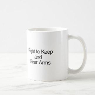 Derecho guardar y llevar los brazos taza