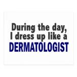 Dermatólogo durante el día tarjeta postal
