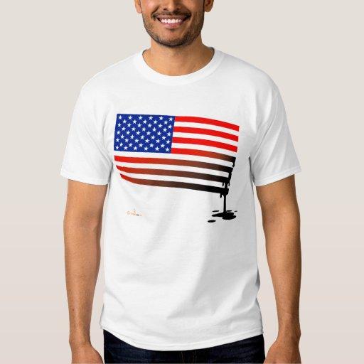Derrame de petróleo de la bandera americana camisas