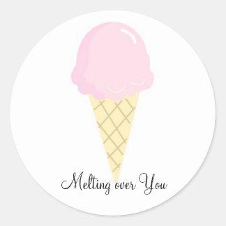 Derritiendo sobre usted - el helado etiqueta redonda