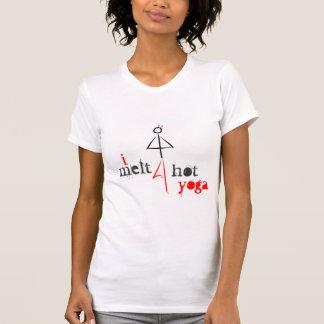 Derrito para la yoga caliente camisetas