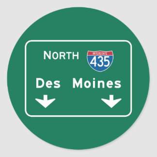 Des Moines, IA Road Sign Classic Round Sticker