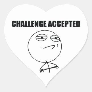 Desafío aceptado pegatina en forma de corazón