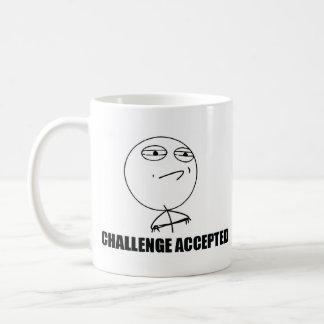 Desafío considerado, desafío aceptado taza clásica