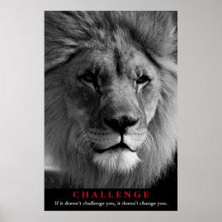 Desafío de motivación del león negro y blanco póster