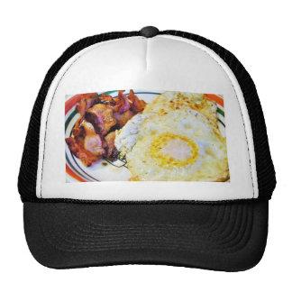 Desayuno del tocino de los huevos gorras