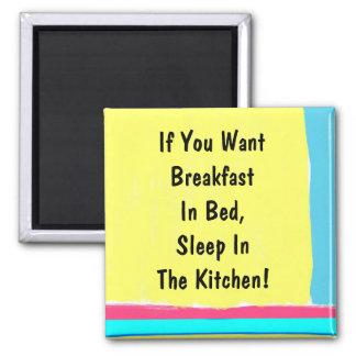 Desayuno en imán de la cama