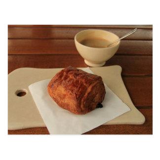 Desayuno francés: café con un chocolat del au del tarjetas postales