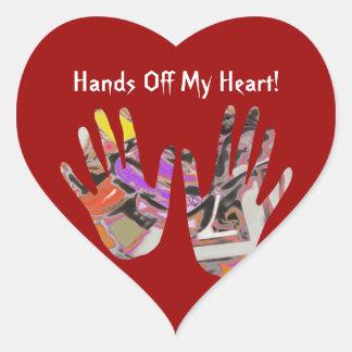 Desbloqueo - manos apagado del extracto de pegatina en forma de corazón