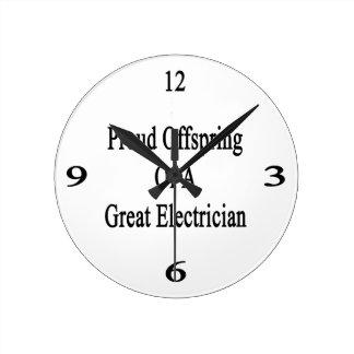 Descendiente orgulloso de un gran electricista reloj redondo mediano