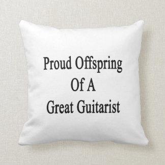 Descendiente orgulloso de un gran guitarrista cojines