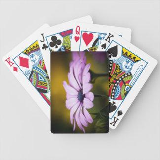 Descenso de la flor de los naipes de la lluvia cartas de juego