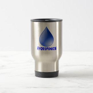Descenso del agua del logotipo del hidrocultivo e  tazas de café