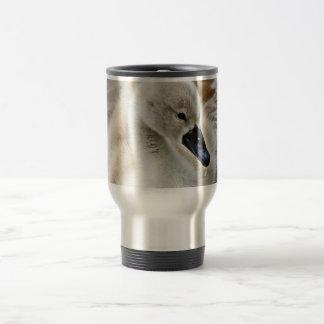 Descenso del agua del pollo del cisne tazas de café