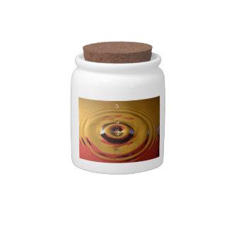 Descenso del oro y del agua roja jarras para caramelos