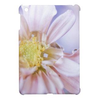 Descenso en colores pastel de la flor y del agua iPad mini cárcasa